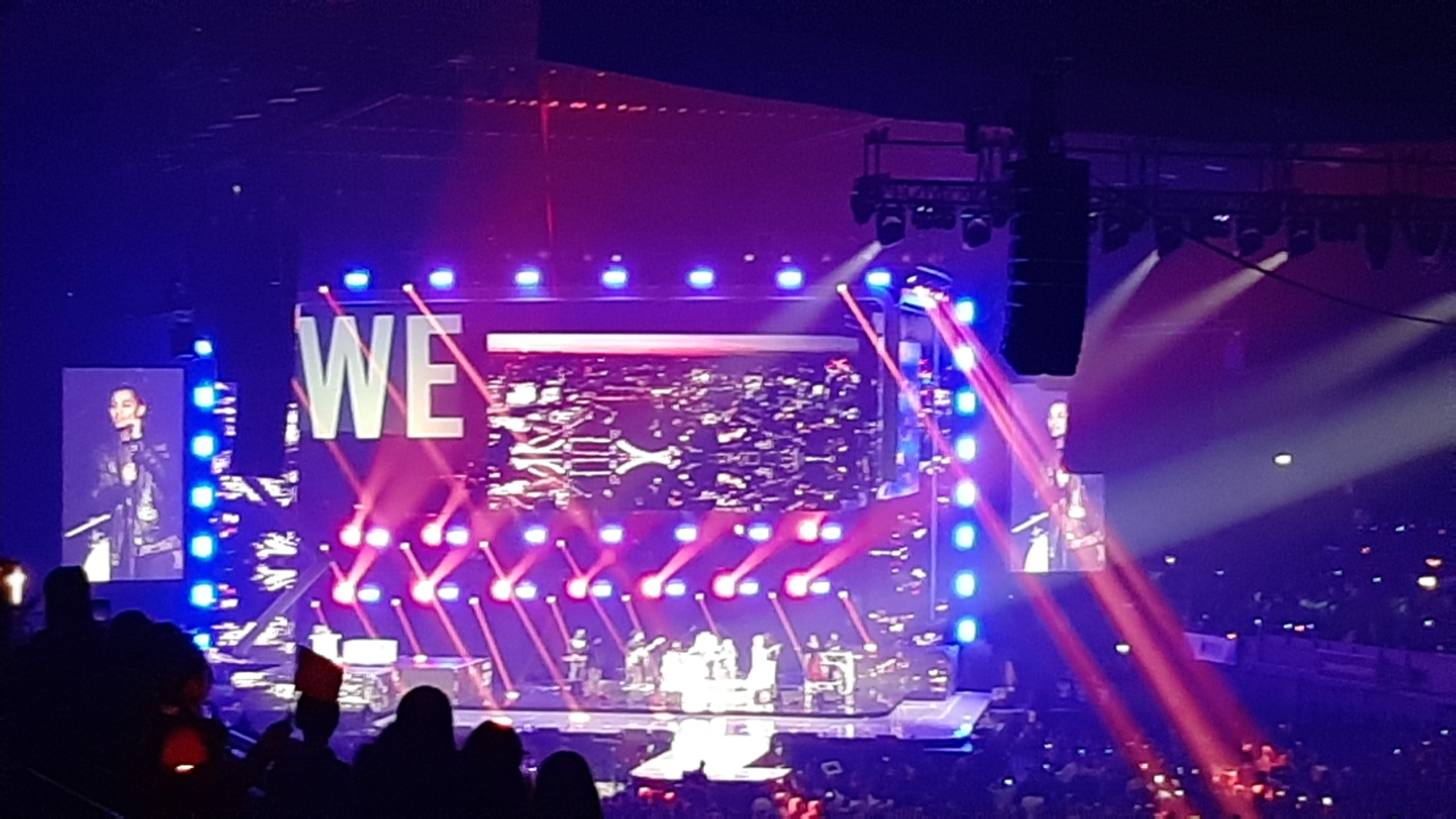 Year 6 Children go to WE Day event